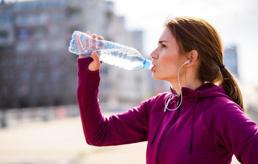 العطش المفرط من الآثار الجانبية لتناول كميات كبيرة من الملح