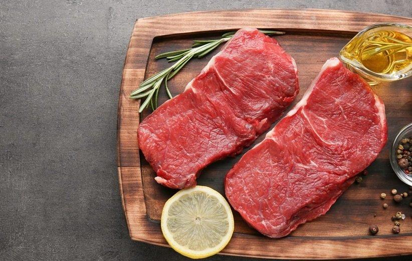 اللحوم الحمراء من الأطعمة التي تحتوي على الحديد