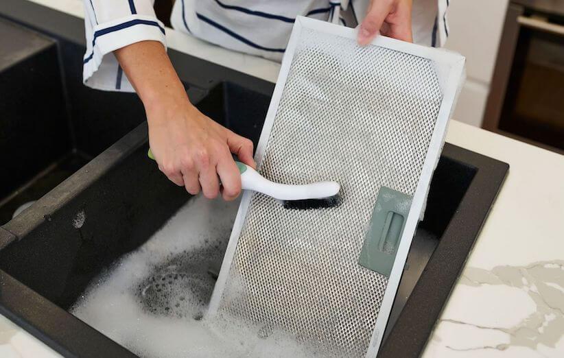 10 خطوات لتنظيف شفاط المطبخ - قشر