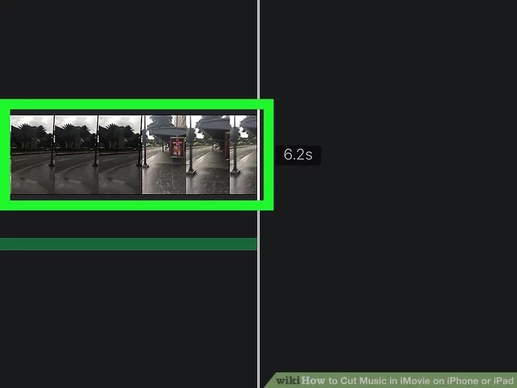 اضغط على الجدول الزمني لتحرير الفيديو في أسفل الشاشة