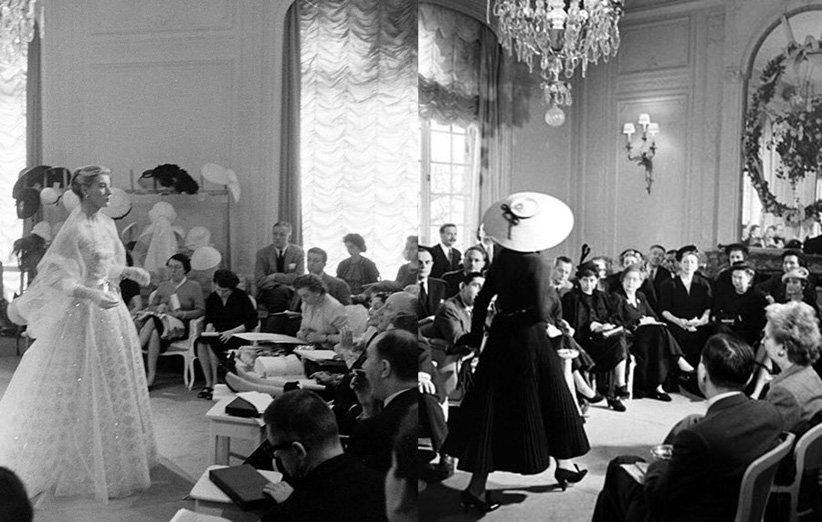 عرض أزياء في النصف الأول من القرن العشرين