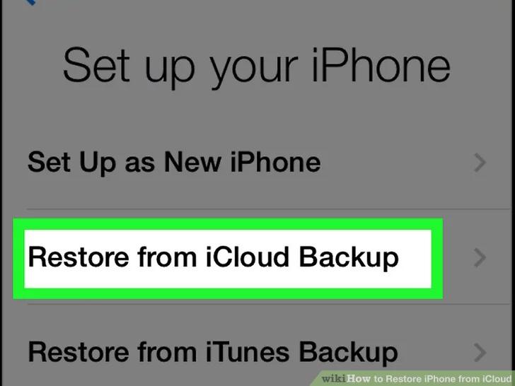 في صفحة التطبيقات والبيانات ، انقر فوق استعادة من نسخة iCloud الاحتياطية
