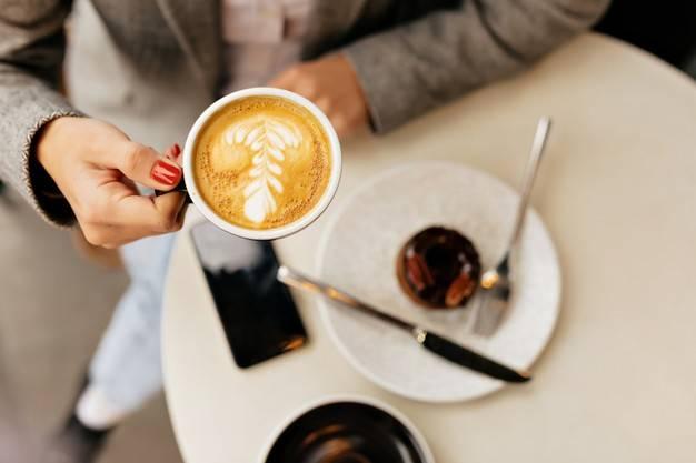 الذهاب إلى المقهى