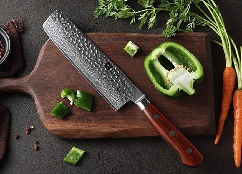 سكين Nakiri Buchu هو أحد أنواع سكاكين المطبخ