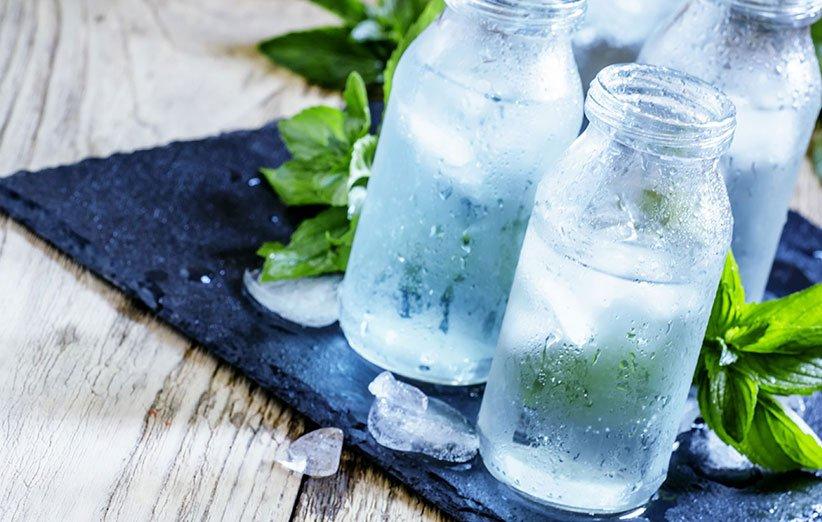 اشرب المزيد من الماء لتقليل تناول السعرات الحرارية