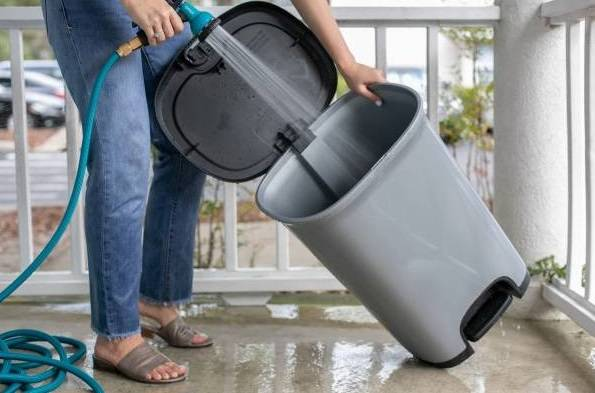 تنظيف القمامة