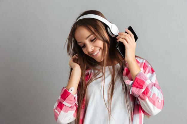 استمع إلى الموسيقى