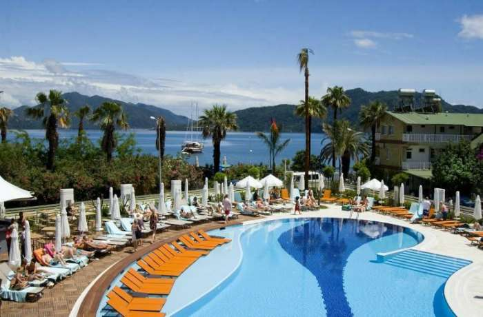 فندق ومنتجع كاسا دي ماريس في مرماريس