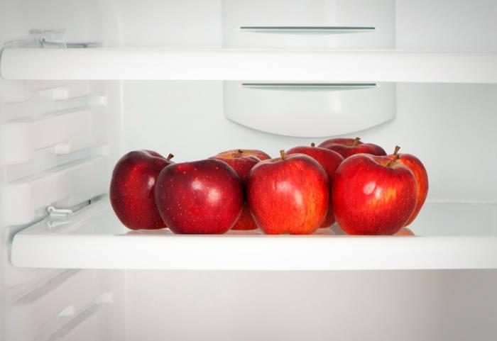 قم بتخزين التفاح في الثلاجة