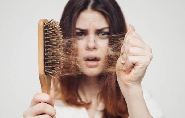 فتيات تساقط الشعر