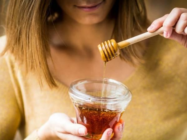 أكل العسل