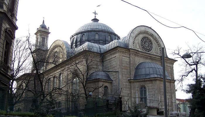 الكنيسة الجميلة