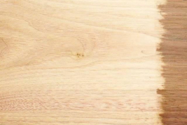 تبييض الخشب