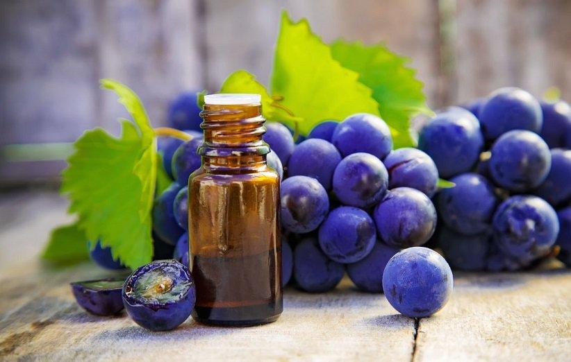 خصائص زيت بذور العنب في علاج حب الشباب