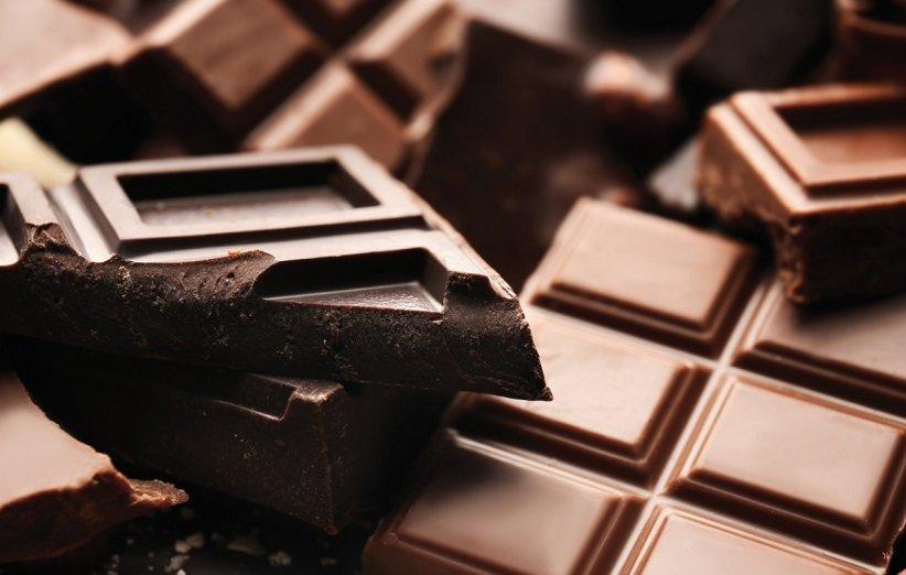 مقشر الشفاه بالشوكولاتة