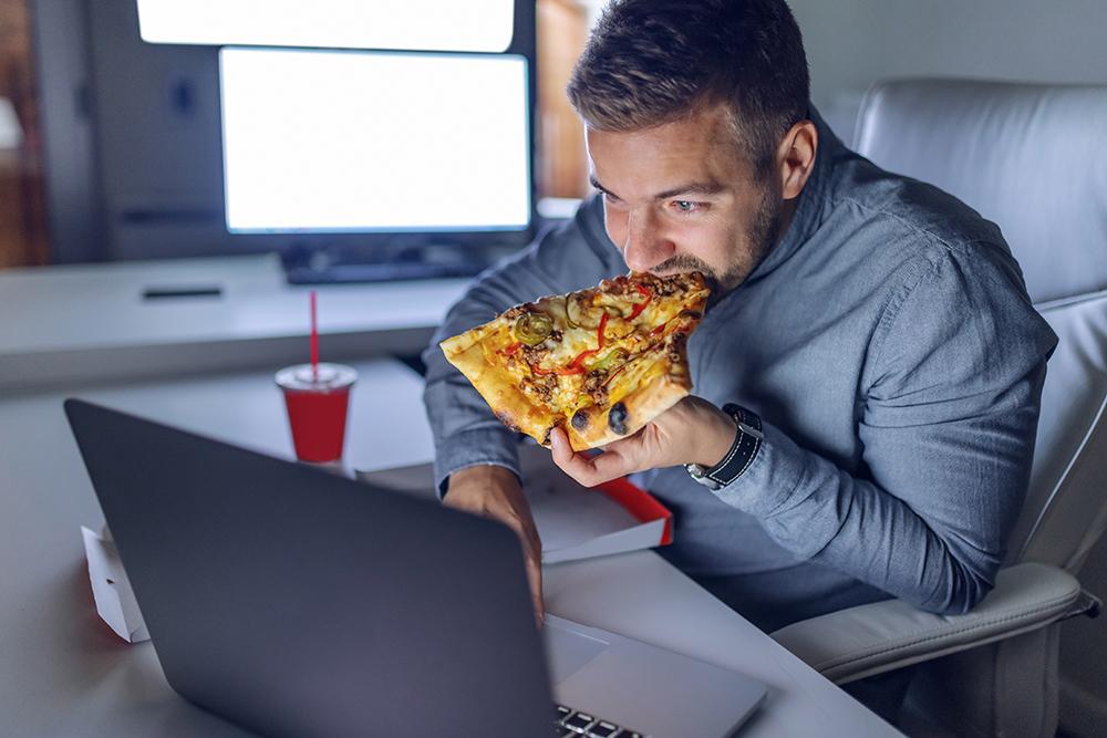 عادات الأكل السيئة