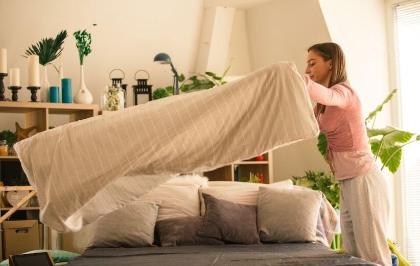 خدعة التدبير المنزلي - رتب سريرك كل صباح
