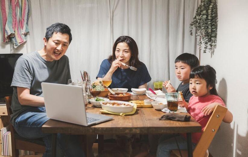 خدعة التدبير المنزلي - اقضِ وقتًا مع الأصدقاء والعائلة