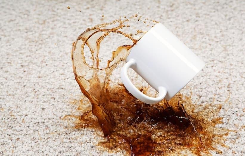 بقع قهوة على السجادة أو نوم هانئ ليلاً