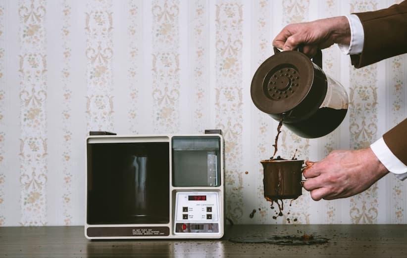 بقع القهوة على الأجهزة المنزلية