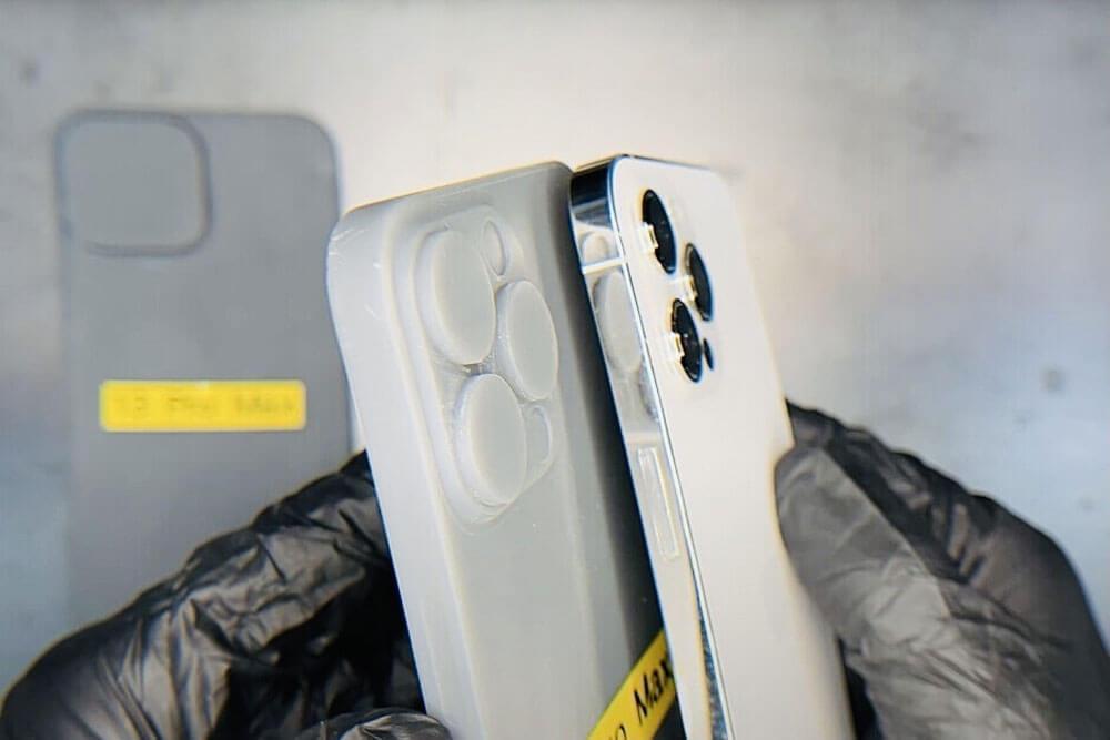 نتوءات كاميرا iPhone 13 و iPhone 14