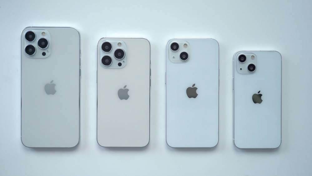 طرازات iPhone 13 الوهمية